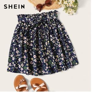 🍁3/$22•Shein | Floral Print Paperbag Skirt